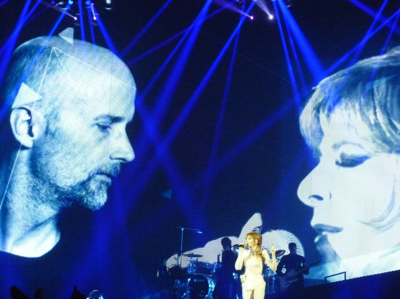 Slipping Away (Crier La Vie) Moby Feat. Mylene Farmer