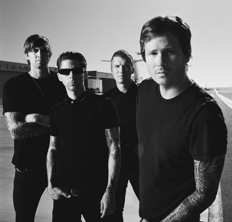 Epic Holiday Angels And Airwaves